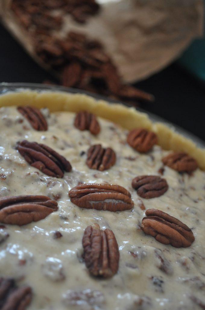Tarte aux noix de pécan avant cuisson
